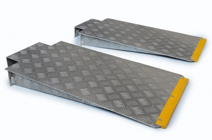 Accessories_Aluminum Drive-On Approach Ramps