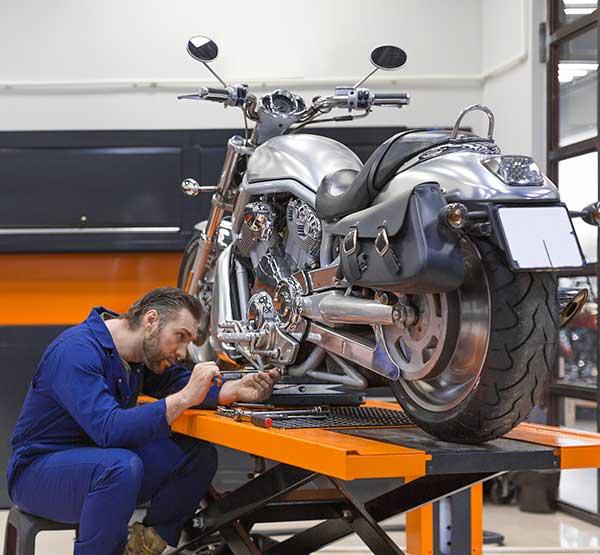 Motorcycle-ATV-Snowmobile-Lifts-mechanic